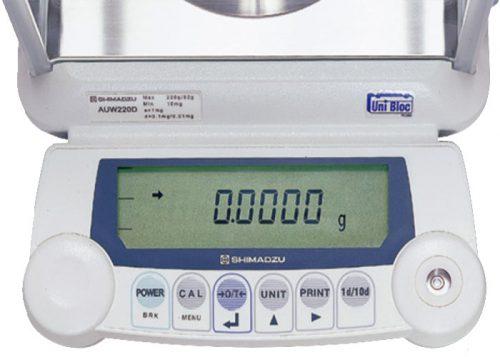 نمایی از صفحه کلید و LCD ترازو های سری AU