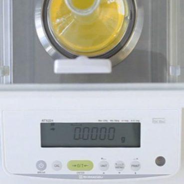 نمایی از صفحه کلید و LCD ترازو های سری ATX/ATY